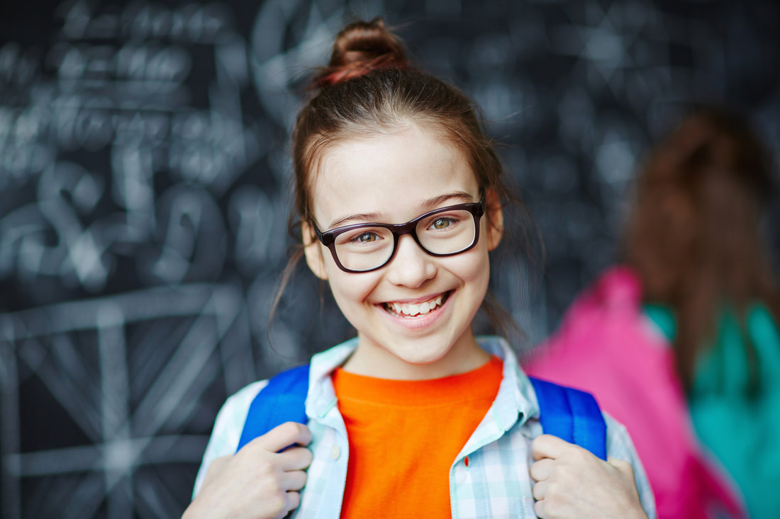 Picture of girl wearing eyeglasses